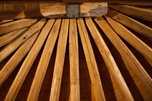 Tetto legno Casa di Paglia_Tulipando_Ph: Luca Giacomini