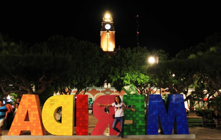Merida by night Yucatan_Tulipando