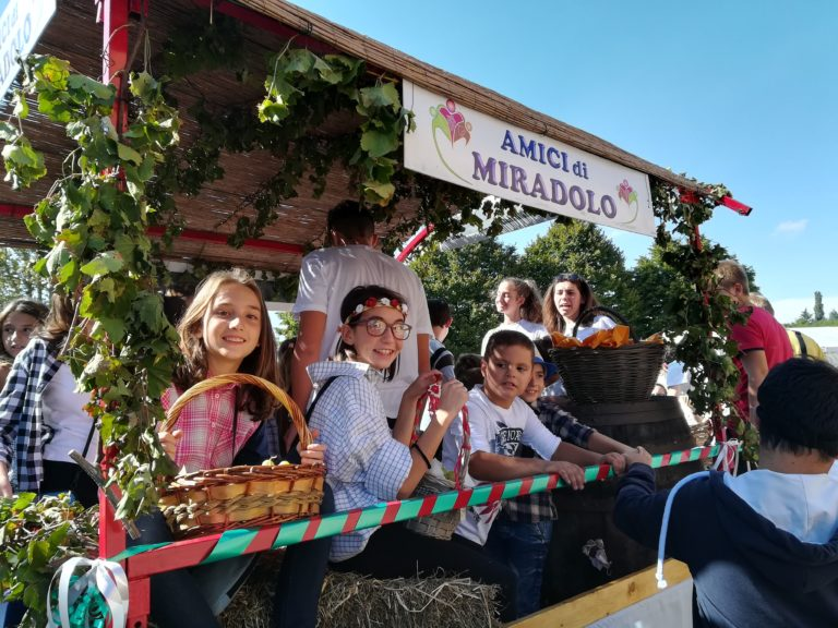 Bambini Carro Festa dell'Uva