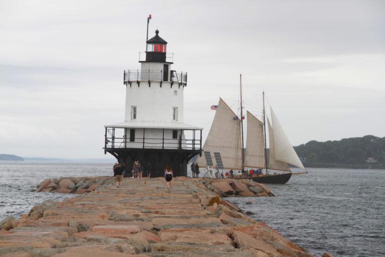 Portland Lighthouse_New England Tulipando